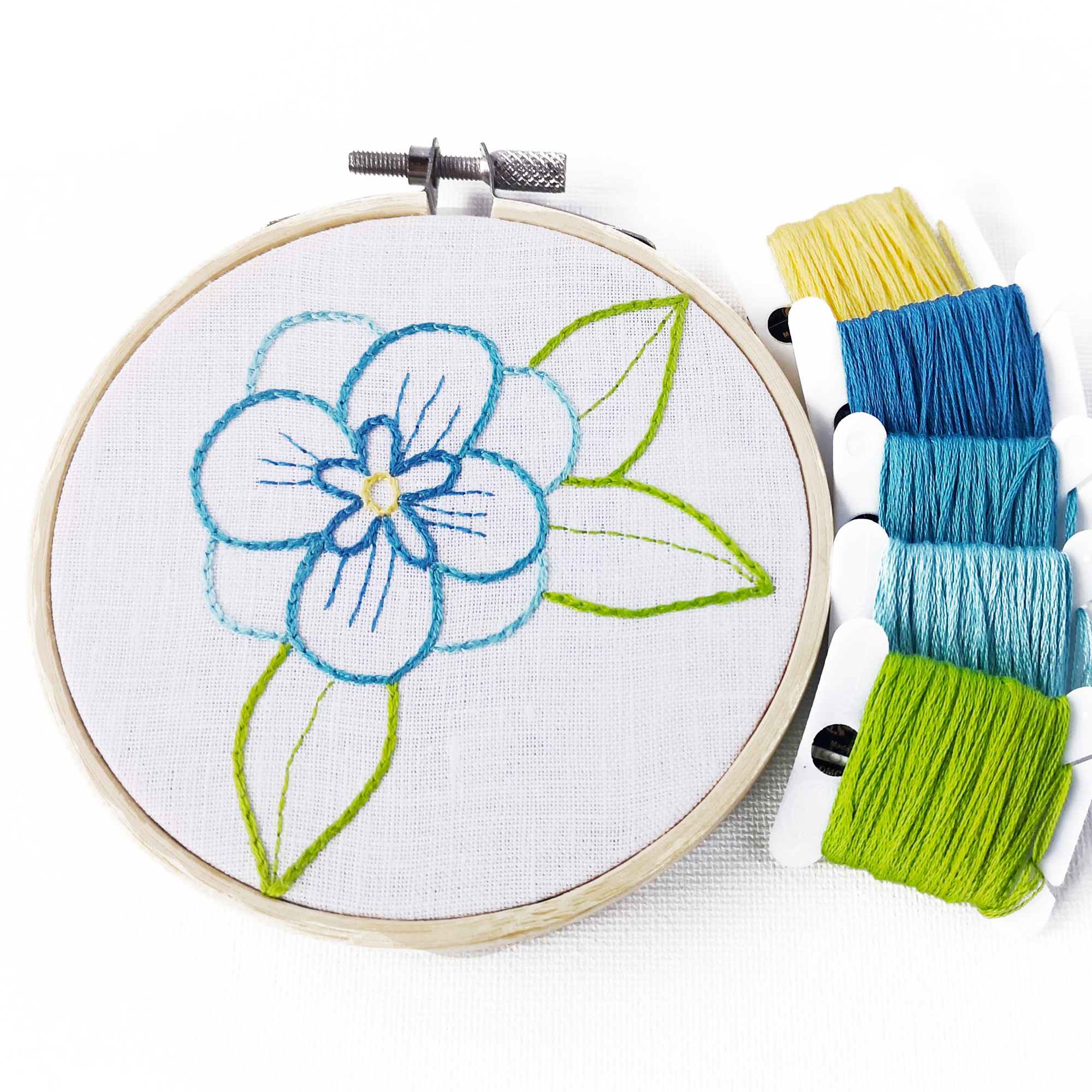 Simple floral hand embroidery pattern